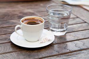 Почему после кофе надо пить воду